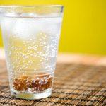 Шипучка из уксуса и соды — поможет от изжоги и похмелья